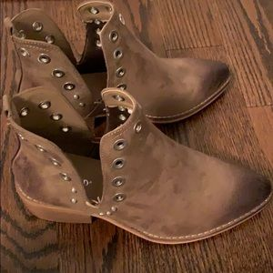 """* Never worn """"Wanted V-cut Grommet"""" boots."""